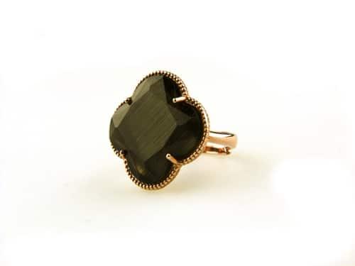 ring in zilver roosgoud verguld met zwarte steen klaver bloem