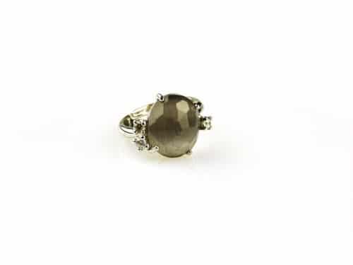 ring in zilver met grijze steen