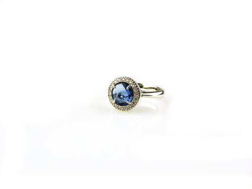 ring in zilver blauwe steen en cubic zirconia