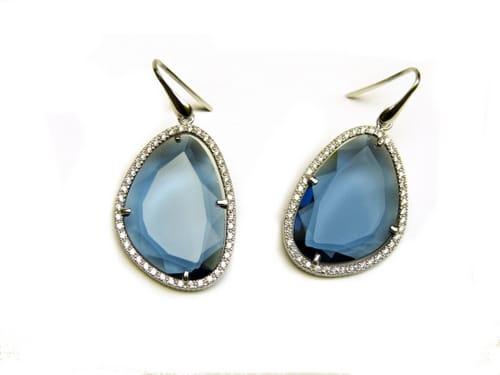 oorringen oorbellen in zilver met blauwe steen en cubic zirconia