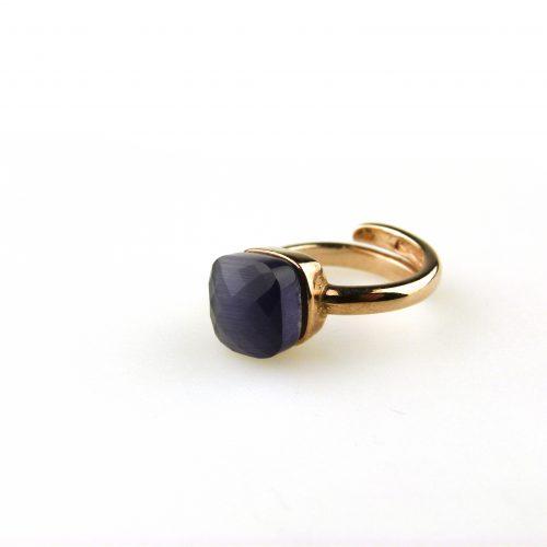 ring in zilver roosgoud verguld gezet met paarse steen