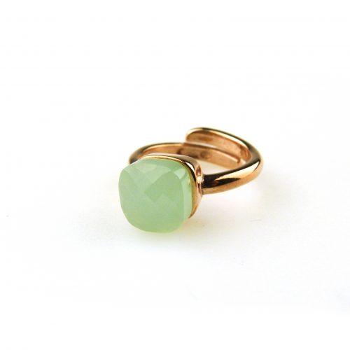ring in zilver roosgoud verguld gezet met muntgroene steen