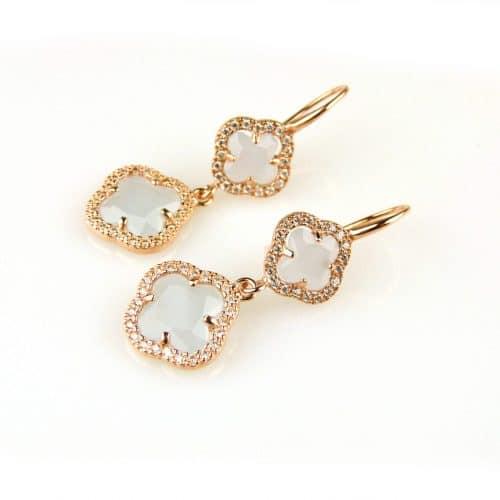 oorringen oorbellen in zilver roosgoud verguld gezet met licht blauwe stenen klavers bloemen