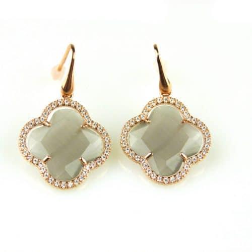 oorringen oorbellen in zilver roosgoud verguld met grijze steen klaver bloem en cubic zirconia