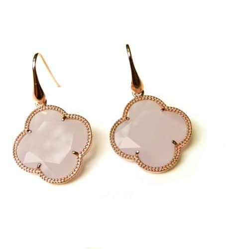 oorringen oorbellen in zilver roosgoud verguld met gekleurde licht roze steen klaver bloem