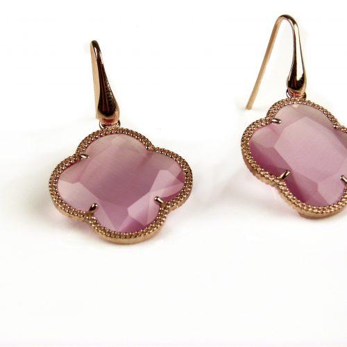 oorringen oorbellen in zilver roosgoud verguld met fel roze steen klaver bloem