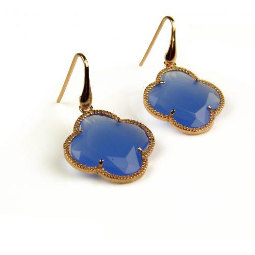 oorringen oorbellen in zilver roosgoud verguld met jeans blauwe steen klaver bloem
