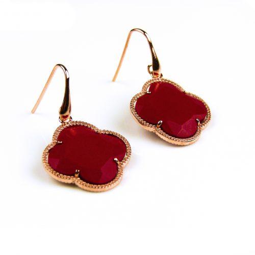 oorringen oorbellen in zilver roosgoud verguld met koraal rode steen klaver bloem