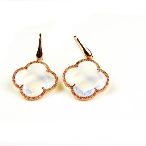 oorringen oorbellen in zilver roosgoud verguld met opaal kleurige steen klaver bloem