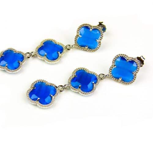 oorringen oorbellen in zilver blauwe steen klaver bloem