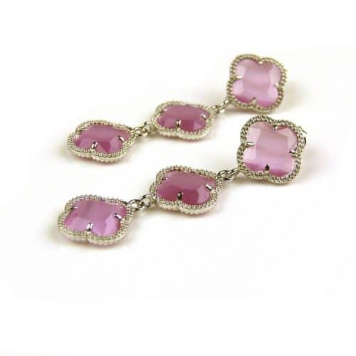 oorringen oorbellen in zilver fel roze steen klaver bloem