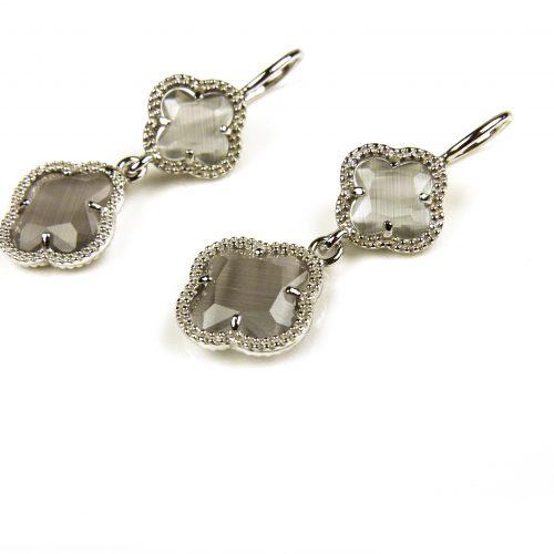 oorringen oorbellen in grijze steen klaver bloem