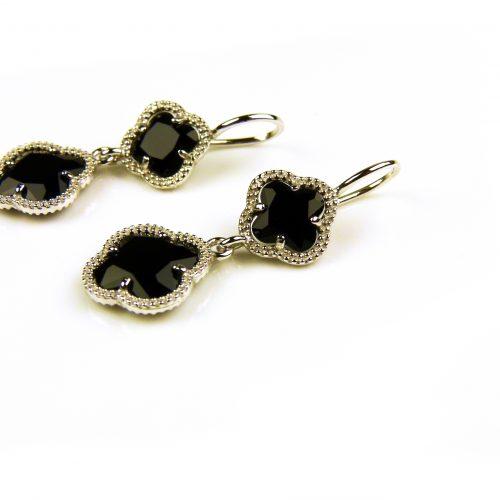 oorringen oorbellen in zilver zwarte steen klaver bloem