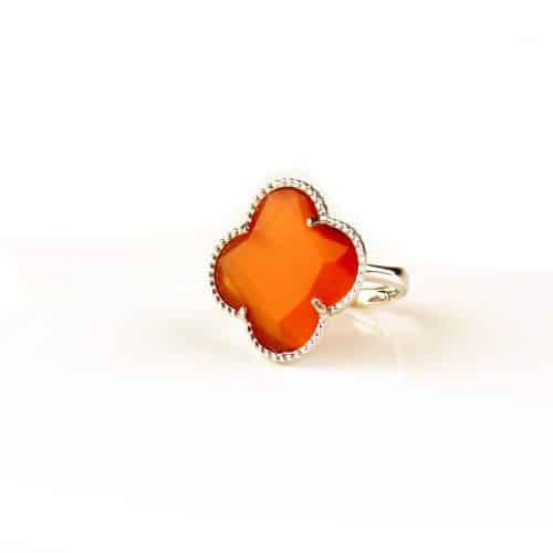 zilveren ring oranje steen klaver bloem
