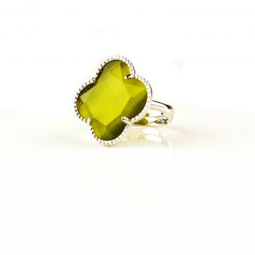 zilveren ring kaki groene steen klaver bloem