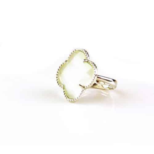 zilveren ring parelmoer steen klaver bloem