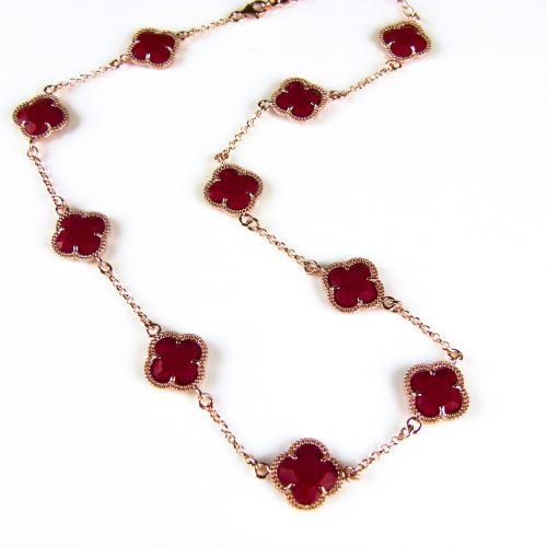ketting in zilver roos goud verguld met koraal rode gekleurde stenen klavers bloemen