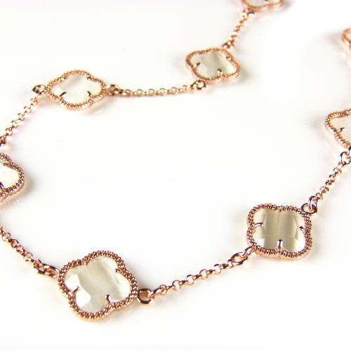 ketting in zilver roos goud verguld met parelmoer gekleurde stenen klavers bloemen