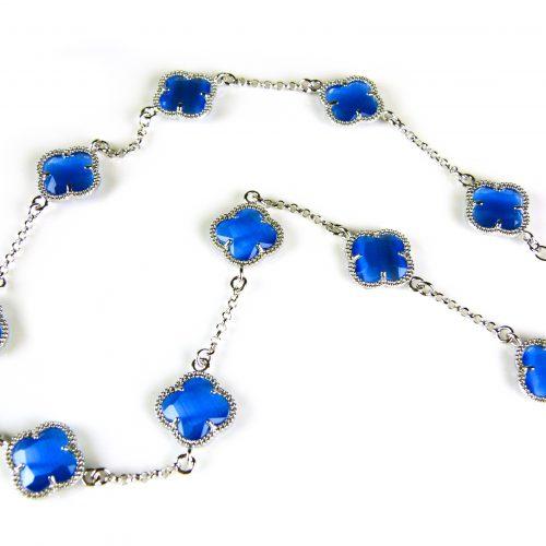 zilveren ketting gekleurde stenen blauwe bloemen klaver