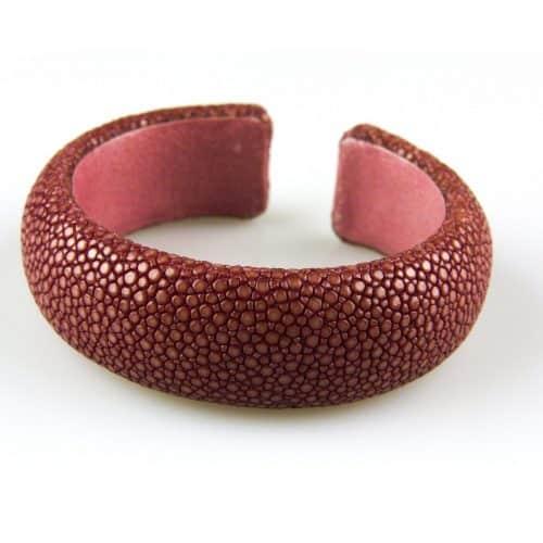 bracelet en cuir de raie galuchat 20 mm large couleur vieux rose