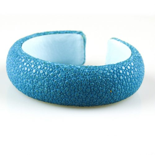 bracelet en cuir de raie galuchat 20 mm large couleur turkoois