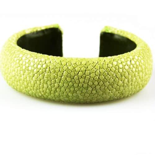 bracelet en cuir de raie galuchat 20 mm large couleur celadon