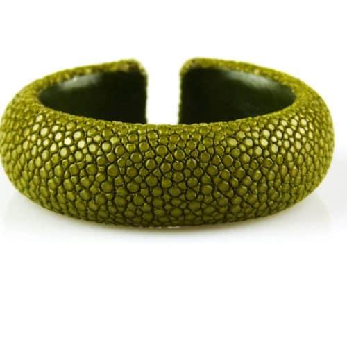 bracelet en cuir de raie galuchat 20 mm large couleur kiwi