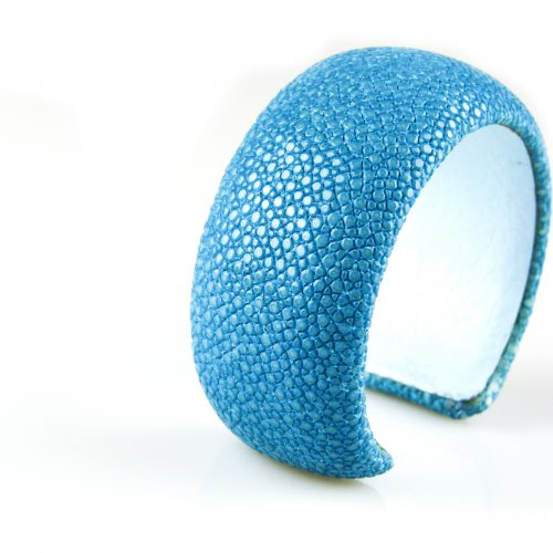 armband roggehuid roggeleder 30 mm breed kleur turkoois