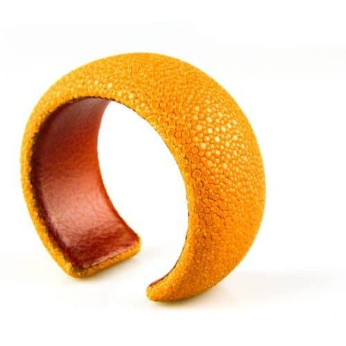 bracelet en cuir de raie galuchat 30 mm large couleur sun