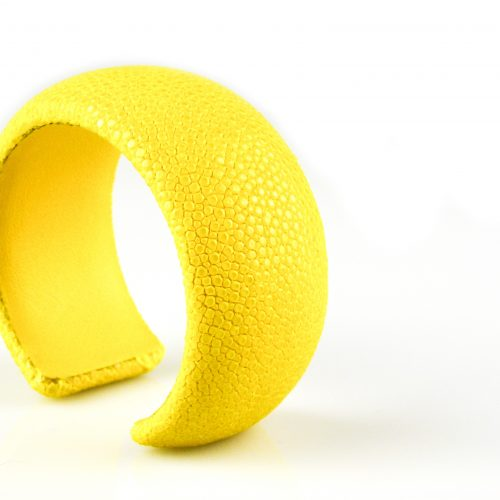 armband roggeleder roggehuid 30 mm breed kleur geel