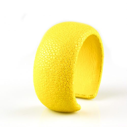 bracelet en cuir de raie galuchat 30 mm large couleur citron