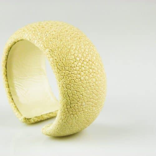 bracelet en cuir de raie galuchat 30 mm large couleur natural