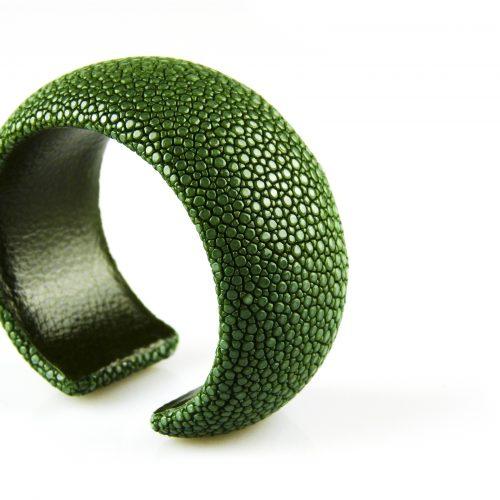 armband roggehuid roggeleder 30 mm breed kleur donker groen