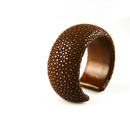 armband roggeleder roggehuid 30 mm breed kleur bruin