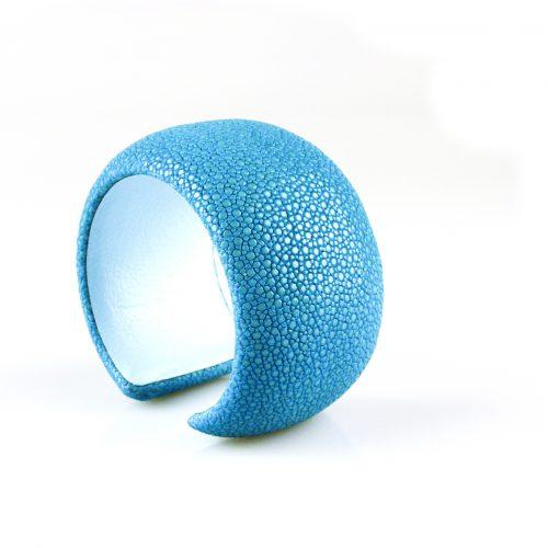 armband roggeleder roggehuid 40 mm breed kleur turkoois