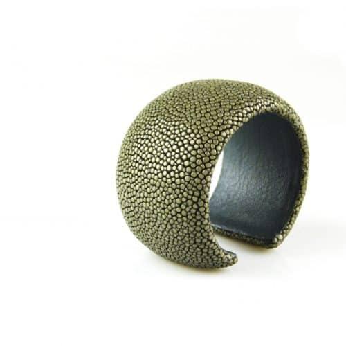 bracelet en cuir de raie galuchat 40 mm large couleur steel