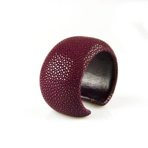 bracelet en cuir de raie galuchat 40 mm large couleur bordeaux