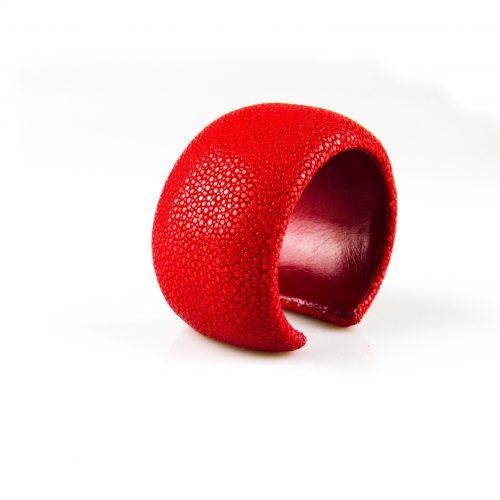 armband roggeleder roggehuid 40 mm breed kleur rood