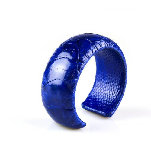 armband in struisvogel leder blauw 30 mm breed