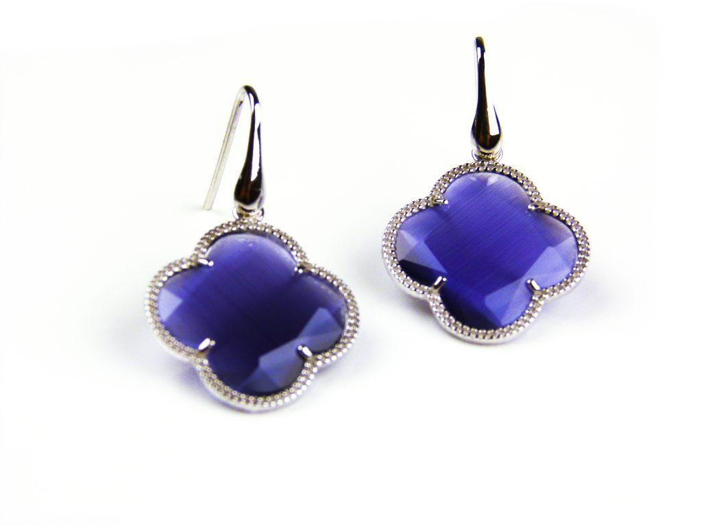 zilveren oorbellen zilveren oorringen paarse steen klaver bloem