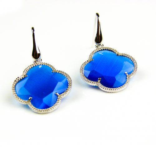 zilveren oorbellen zilveren oorringen blauwe steen klaver bloem
