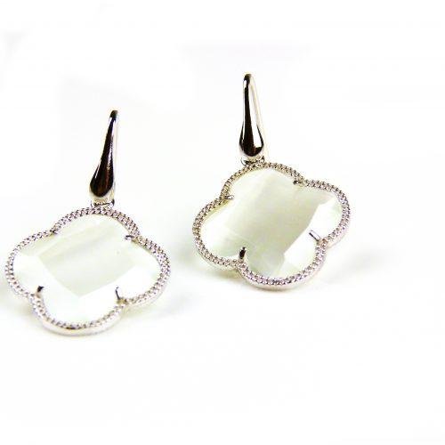 zilveren oorbellen zilveren oorringen parelmoer steen klaver bloem