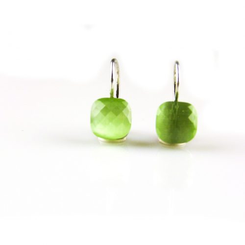 zilveren oorbellen groene steen zilveren oorbellen groene steen
