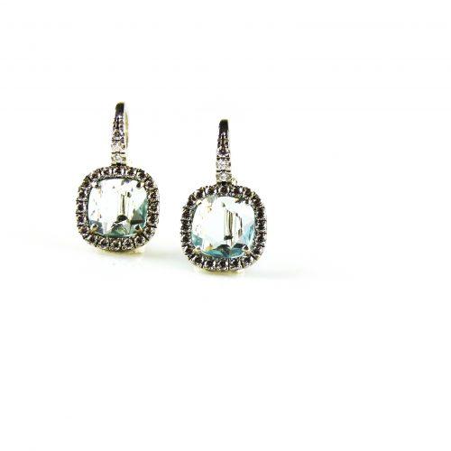 zilveren oorbellen gezet met blauwe steen en cubic zirconia zilveren oorringen gezet met blauwe steen en cubic zirconia