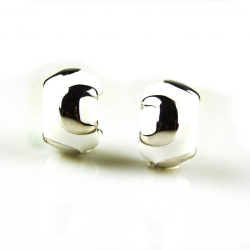 zilveren oorbellen met witte email zilveren oorringen met witte email