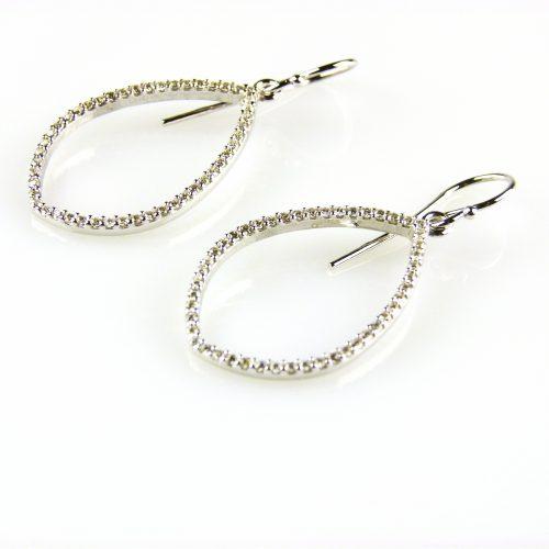zilveren oorbellen gezet met cubic zirconia zilveren oorringen gezet met cubic zirconia