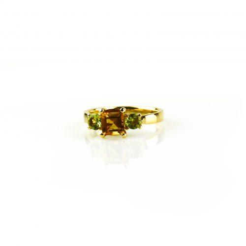 ring in geel goud gezet met citrien en peridoot
