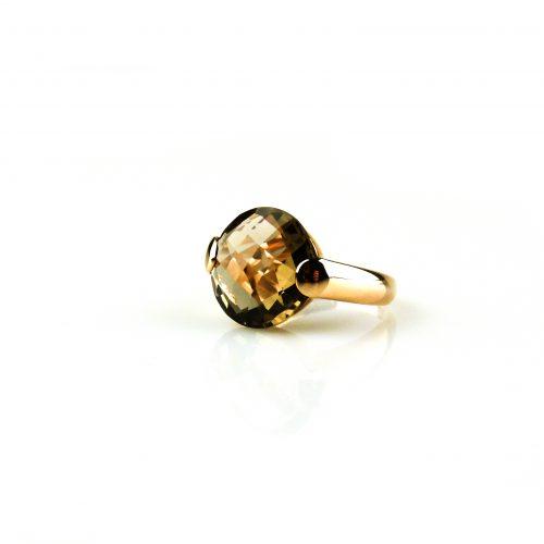 ring in roos goud gezet met rookkwarts