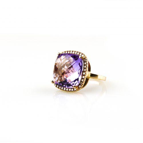 ring in roos goud gezet met diamant en amethist