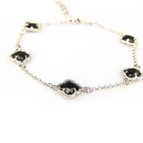 zilveren armband met zwarte steentjes bloem